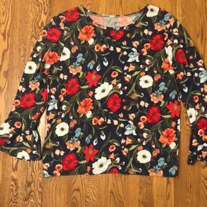 Floral T-shirt, with trumpet sleeve